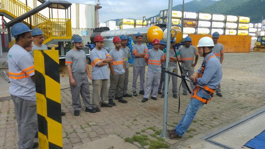 LEAL Realiza Palestra Técnica em Industrializadora de Fertilizantes