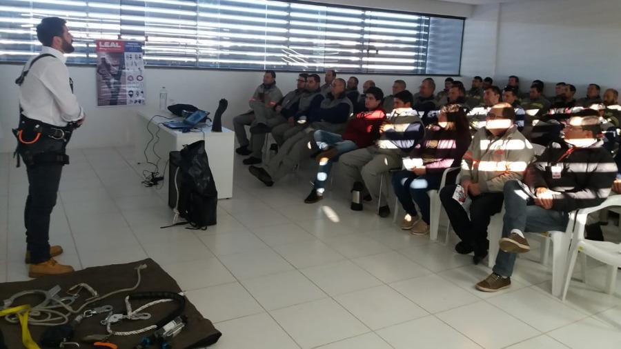 LEAL Participa de SIPAT em Contratada de Concessionária Elétrica